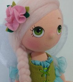 Boneca de pano - Como Faço Felt Crafts, Diy And Crafts, Fabric Toys, Felting Tutorials, Doll Hair, Soft Dolls, Diy Doll, Tinkerbell, Teddy Bear