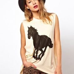 There is 0 tip to buy t-shirt, vest, sleeveless, cotton, summer fashion trend. Help by posting a tip if you know where to get one of these clothes. Guns N Roses, T Shirt Vest, Tank Top Shirt, Kentucky Derby, New Ladies Fashion, Womens Fashion, Muscle T Shirts, Beige Top, Summer Fashion Trends