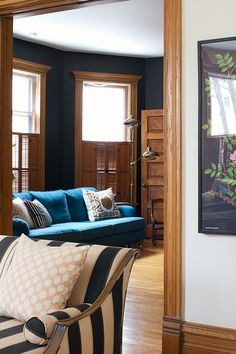 super ideas for farmhouse living room paint colors with wood trim Room Paint Colors, Paint Colors For Living Room, My Living Room, Wall Colors, Stain Colors, Small Living, Stained Wood Trim, Oak Wood Trim, Wood Stain
