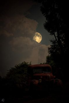 Old Moon  | Photo By Emily Stauring