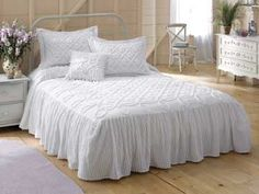 MaryJanesFarm® Chenille Bedspread