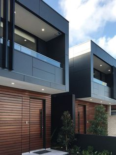 Arkhaus is a creative studio specialising in luxury home designs, luxury townhouse projects & residential design projects. Contact our design team for your next Townhouse Exterior, Modern Townhouse, Townhouse Designs, Duplex House Design, Modern House Design, Narrow House, Modern House Plans, Facade House, Design Case