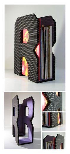 Awesome DIY Magazine Holders Source by Cool Diy, Clever Diy, Diy Magazine Holder, Magazine Rack, Diy Paper, Paper Crafts, Carton Diy, Diy Karton, Papier Diy