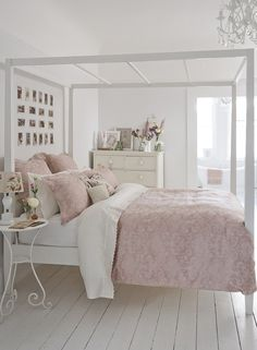 Blogger Jessica Sturdy Of Bows U0026 Sequins Shares Her Chicago Parisian Chic Bedroom  Design. Tufted Headboard, Blush Pink Rug, And White, Ruffled Beddu2026