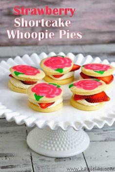Rose Pattern Strawberry Shortcake Whoopie Pies @Hanielas