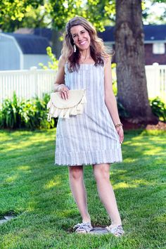 Thursday Fashion Files Link Up & It's Dress Weather w/ this adorable easy fit Aubree shift dress from Aventura Clothing #curlycraftymomfashion #fashion #aventura