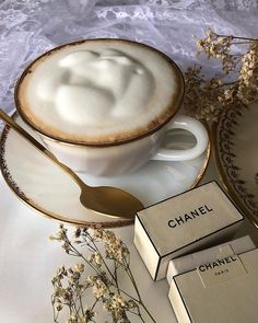 Shared by Find images and videos about coffee and chanel on We Heart It - the app to get lost in what you love. Cream Aesthetic, Aesthetic Coffee, Brown Aesthetic, Aesthetic Food, Coffee Love, Coffee Break, Parisian Cafe, Food Porn, Coffee Drinks
