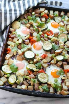 One Pan Veggie Potato Hash. This One Pan Veggie Potato Breakfast Hash is a super simple and healthy way to feed a crowd! Vegan Recipes Plant Based, Veggie Recipes, Real Food Recipes, Vegetarian Recipes, Healthy Recipes, Veggie Food, Yummy Food, Breakfast Hash, Breakfast Potatoes