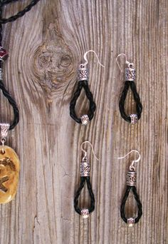 Braided horsehair earrings with or without bead