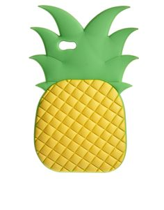 iPhone 5 Pineapple case. How adorable! I know all the pineapple lovers will want this. #giftidea #tropical