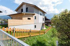 modernes Einfamilienhaus von Hartl Haus Deck, Outdoor Decor, Home Decor, Detached House, Decoration Home, Room Decor, Front Porches, Home Interior Design, Decks