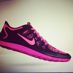 Nike womens running shoes are designed with innovative features and technologies to help you run your best* whatever your goals and skill level. Cheetah Nikes, Pink Cheetah, Mens Fashion Shoes, Men's Fashion, Nike Shoes Outlet, Free Shoes, Running Shoes Nike, Crazy Shoes, Athletic Wear