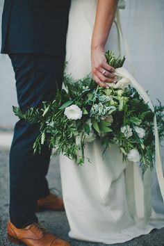 Green and white bouquet | Wedding & Party Ideas | 100 Layer Cake