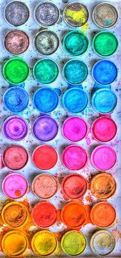 Hair Bug. Demi sphère de couleur pour teinter vos cheveux à volonté. Par avec de l'eau.