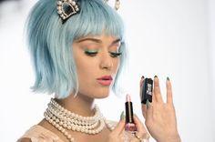 Olhares: Katy Perry vai lançar nova linha de maquiagem