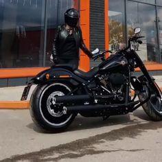 Concept Motorcycles, Cars And Motorcycles, Best Martial Arts, Custom Street Bikes, Yamaha R6, Biker T Shirts, Harley Davidson Motorcycles, Motorbikes, Cool Cars
