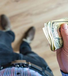 Půjčit či nepůjčit si peníze je zdá se mottem každé doby, no pro tu dnešní to ale platí více než pro ty minulé. Víte však, jak to udělat, abyste později sv