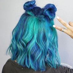 Hair color, hair looks, hair inspo, hair inspiration, pulp riot hair co Short Dyed Hair, Dyed Hair Ombre, Dyed Hair Pastel, Dyed Blonde Hair, Dye My Hair, Short Wavy, Short Blue Hair, Cute Hair Colors, Pretty Hair Color