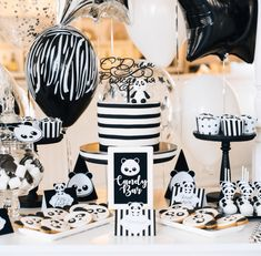 Love all of the details of this panda party-See more Panda Party ideas on B. Lovely Events Prepare for panda cuteness, because these panda party ideas will knock your socks off! We are totally loving this new party trend! Panda Themed Party, Panda Birthday Party, Panda Party, Baby 1st Birthday, Birthday Party Themes, Panda Baby Showers, White Baby Showers, Baby Boy Shower, Panda Decorations