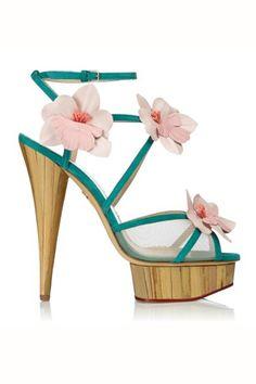 Sandalia de estilo oriental con flores #zapatos #sandalias