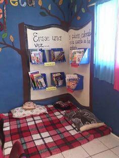 Essa biblioteca é bem criativa e ajuda no interesse pela leitura dos pequenos! :