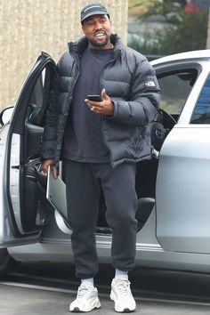 Kanye West x North Face Ropa Kanye West, Kanye West Style, Yeezy Fashion, Mens Fashion, Fashion Outfits, Mens Streetwear Fashion, Normcore Fashion, Fashion Styles, Mode Masculine