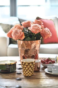 @tomdixon copper champagne cooler, whisky colored roses, gold vase by @ensoie, tea set in strawberry pattern by @wedgwooduk