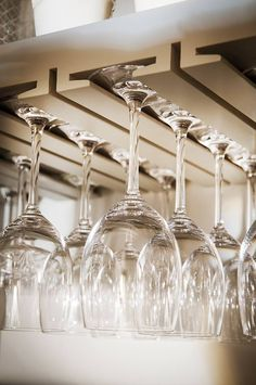 Hanging Wine Glass Rack, Hanging Bar, Wine Glass Holder, Mini Bar At Home, Bar Counter Design, Modern Home Bar, Home Bar Designs, Regal Design, Garage Interior