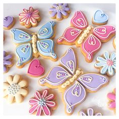 Birthday Butterflies - by Daisy Loves Cake Butterfly Birthday Cakes, Butterfly Cookies, Butterfly Birthday Party, 2nd Birthday Party Themes, Butterfly Baby Shower, Flower Cookies, Birthday Ideas, Sugar Cookie Royal Icing, Summer Cookies