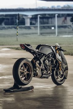 Ballistic Trident: Rough Crafts pushes the design envelope with a stunning custom Brutale 800 RR built for MV Agusta.