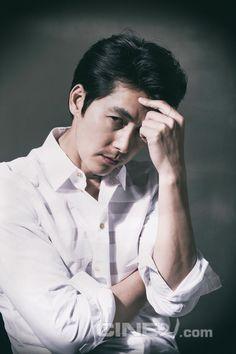 Jung Woo Sung - Cine21 Magazine No.960