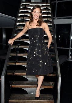 EXCLUSIVE: Jennifer Garner Explores People& & to Drop Out of Their Own Lives& in New Movie & There& a simple reason why Jennifer Garner agreed to the role of Diana in the upcoming movie Wakefield. It spoke to her. Upcoming Movies, New Movies, Celebrity Scandal, Strapless Dress Formal, Formal Dresses, Wakefield, Ben Affleck, Old Actress, Jennifer Garner