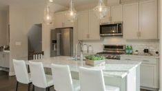 10 önbizalom-növelő idézet   nlc Kitchen Island, Furniture, Home Decor, Island Kitchen, Decoration Home, Room Decor, Home Furnishings, Home Interior Design, Home Decoration