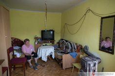Warunki, jakie panują w domu babci są dla Sądu nie do przyjęcia jako miejsce do mieszkania dla czterech sióstr.