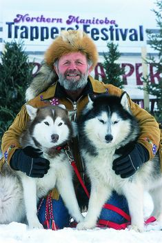 Northern Manitoba Trappers' Festival in The Pas, Manitoba, showcases pioneer skills such as canoe packing and dog sledding. I would love to learn how to go dog sledding O Canada, Canada Travel, Yukon Quest, Alaska Dog, Canadian Things, Wolf Husky, Nostalgia, Western Canada, Snow Dogs