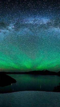 Stars and aurora Beautiful Sky, Beautiful World, Beautiful Places, Amazing Photography, Nature Photography, Learn Photography, Night Photography, Landscape Photography, Amazing Nature