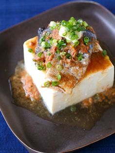 イソフラボン豊富な豆腐と さば缶のDHA&EPAをドッキング!|『ELLE a table』はおしゃれで簡単なレシピが満載!