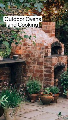 Backyard Patio, Backyard Landscaping, Backyard Waterfalls, Backyard Ponds, Landscaping Design, Garden Pizza, Cocina Shabby Chic, Fireplace Garden, Outdoor Oven