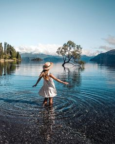 Living In New Zealand, Visit New Zealand, New Zealand Travel, Beautiful Places To Travel, Cool Places To Visit, Places To Go, Wanaka New Zealand, Bucket List Destinations, Pretty Pictures