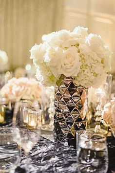 Wedding reception centerpiece idea via Jana Williams Photography - Deer Pearl Flowers / http://www.deerpearlflowers.com/reception-decor/wedding-reception-centerpiece-idea-via-jana-williams-photography/