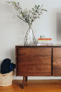 """Seno Walnut Sideboard - """"We try not to splurge too much and really enjoy thrifting and buying secondhand when we can, but - Credenza Decor, Modern Sideboard, Vintage Sideboard, Walnut Sideboard, Tv Credenza, Dining Room Sideboard, Quality Furniture, Modern Furniture, Furniture Design"""