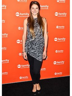 Shailene Woodley: I Didn't Become an Actress to Wear Designer Gowns-  Thank-you for overstating the obvious.