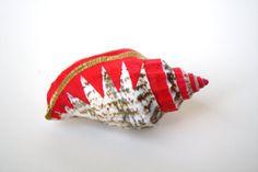 Neon Pink Gold Sea Shell Vase Brooch - Shell Pin, Planter Pin, Lapel Pin, Sea Shell, Bud Vase, Wedding Boutonniere, Art Deco, Tribal