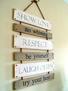Tablones con 'las normas de la casa'