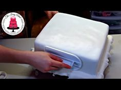 In this Video I will teach you step by step how to cover a square cake in fondant. A square cake may be intimidating, but I am going to show you just how eas. Fondant Cake Tutorial, Fondant Cakes, Minecraft Cake, Minecraft Party, Cupcakes, Cupcake Cakes, Square Birthday Cake, Baking For Beginners, Rectangle Cake
