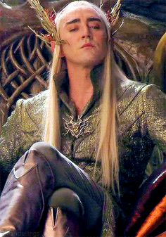 {Thranduil - I just love his face here.  And his boots.  Definitely in love with those boots. (gifset)} - Love it ALL!!