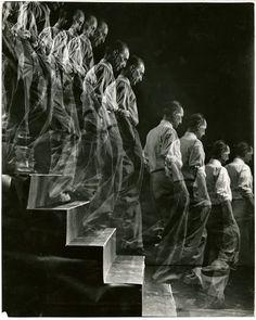 Eliot Elisofon, Marcel Duchamp descends staircase, 1952