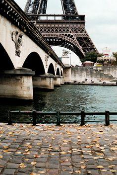 Paris  (via i-sicle)
