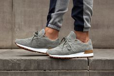 Play Cloths X Saucony (Strange Fruit Pack) - Sneaker Freaker Me Too Shoes, Men's Shoes, Nike Shoes, Shoe Boots, Shoes Sneakers, Grey Sneakers, Saucony Shoes Men, Summer Sneakers, Slippers
