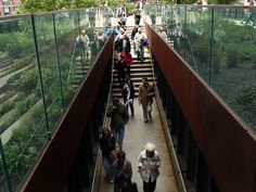 Frequented by locals and tourists alike, the High Line Park comes to life in springtime